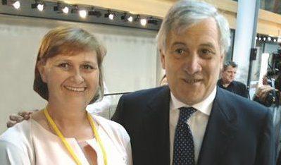 "Anna Kwiatkowska from PSONI receives ""9 millionth Erasmus+ participant award"""